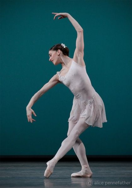 Marianela Nunez in Ballo della Regina, The Royal Ballet