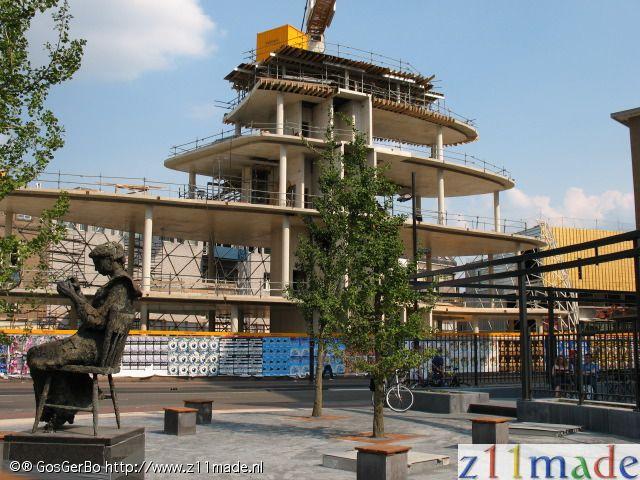 Blob in aanbouw, Emmasingel, Eindhoven