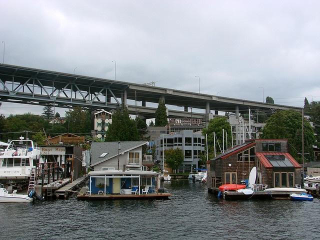 Houseboats In Seattleu0027s Eastlake Neighborhood On The Eastern Shore Of Lake  Union.