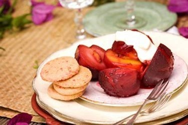Grilled plums with strawberry shortbread