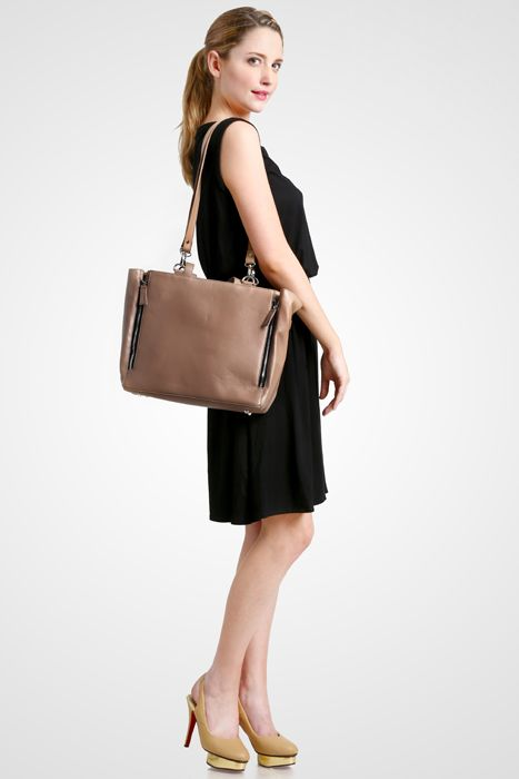 Marguerite bag #handbag #taswanita #bags #fauxleather #kulit #fashionable #stylish #totebag #colors #mocca
