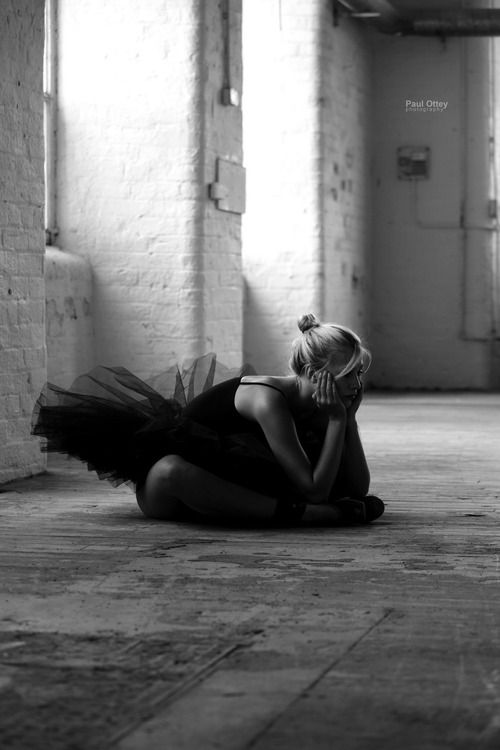 One picture, a thousand words. Solitude, female beauty, dancer, thoughtful, silence, alone, photo b/w
