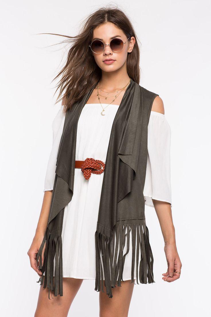 Замшевый жилет Размеры: S, M, L Цвет: бежевый, оливковый Цена: 1557 руб. #одежда #женщинам #жилет #коопт