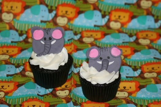 How to make Elephant cupcake toppers • CakeJournal.comCake Fondant, Cupcakes Decor, Cupcakes Design, Cupcakes Galore, Cake Shtuff Cupcakes, Cupcakes Toppers, Cake Decor, Elephant Cupcakes, Decor Tutorials