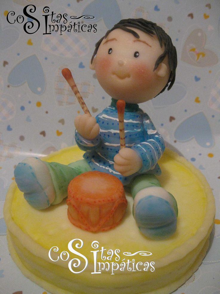 """Tope de torta para primer año de vida ^_^.  Hecho a mano en porcelana fría por """"Cositas Simpáticas"""" ^_^"""