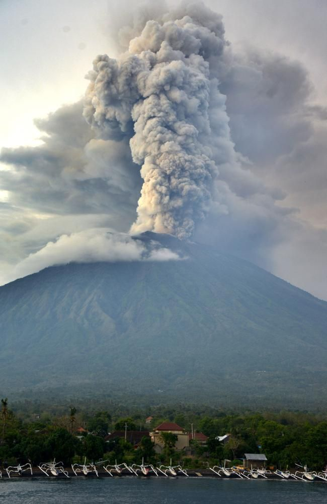 Experts Say Mount Agung Is Erupting And Could Get Worse A General