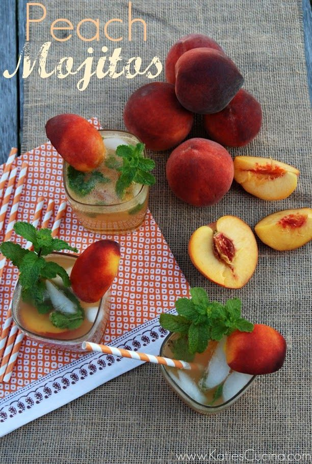 Peach Mojito recipe: The mint-peach combo is so refreshing and juicy and just....yum.: Mojito Easili, Creative Drinks, Summer Cocktails, Katy Cucina, Easili Turning, Peaches Mojito, Katiescucina Com, Katie Cucina, Food Drinks