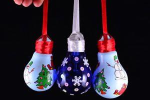 Lâmpadas decoradas para o Natal