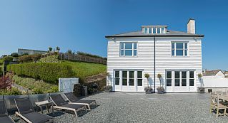 Gleaming gem in a Cornish coveHoliday Rental in Mevagissey from @HomeAwayUK #holiday #rental #travel #homeaway