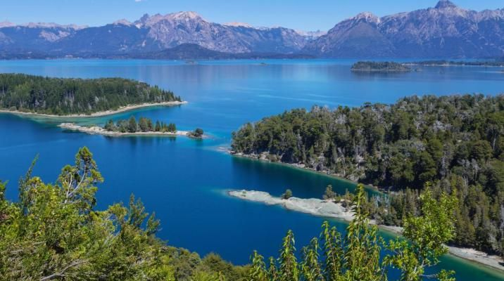 Glæd jer til at sejle i katamaran på Nahuel Huapi-søen i Patagonien, Argentina
