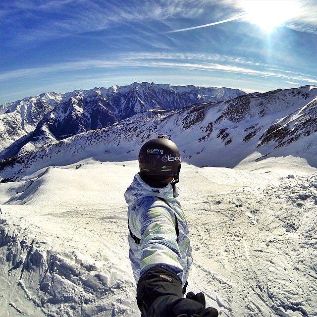 Photo du jour #TourismeMidiPy: un grand bol d'air par ©fred31fr sur les sommets d'Ax-3-domaines en Ariège. Merci à vous ! #TourismeMidiPy #MidiPyrenees #France #PicduMidi #Freeride #tourism #holiday #vacation #travel #ski #snow #neige #skiresort