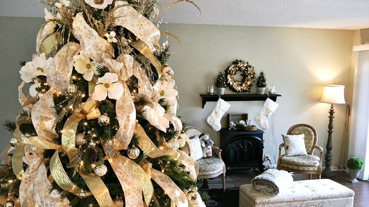Golden Magnolia Christmas Tree - How To Decorate A Christmas Tree