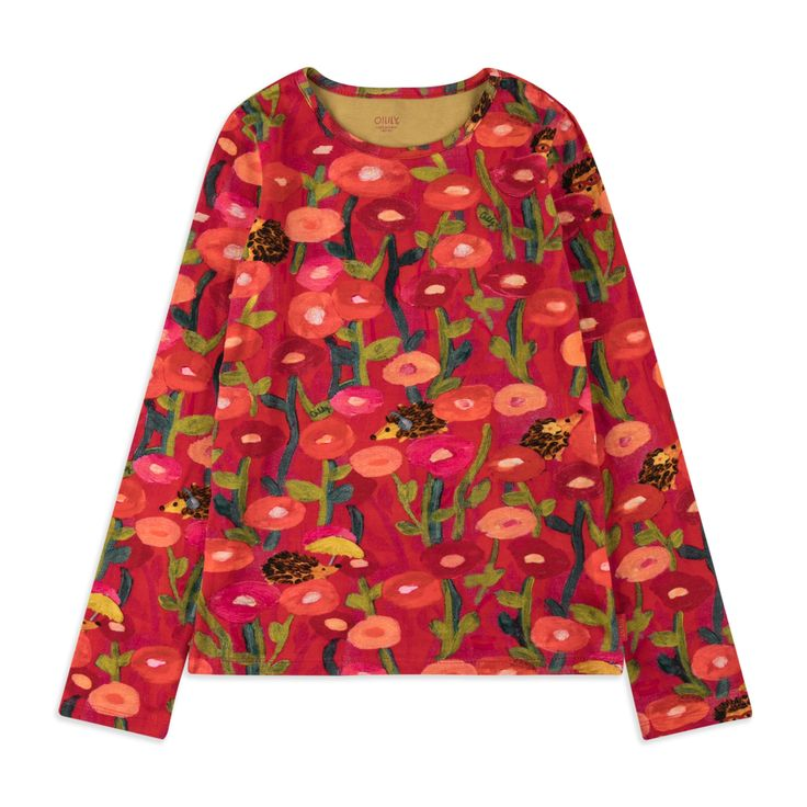 OILILY Girls Tip Top - Red From £39 Girls long sleeve top • Soft stretchy cotton • Round neckline • Ribbed cuffs and hem • Colourful floral hedgehog print • Material: 95% Cotton, 5% Elastane