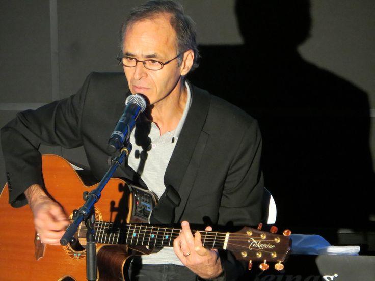 Regardez des extraits du concert privé de Jean-Jacques Goldman au gala du Casim - Là-bas - Toute l'actualité de Jean-Jacques Goldman