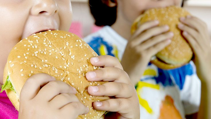 Crianças com sobrepeso têm mais chance de se tornarem adolescentes obesos - Saúde - Notícia - VEJA.com