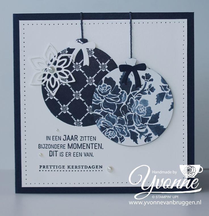 Prettige feestdagen - Bijzondere kerstkaart in blauw/wit, gemaakt met de Nederlandstalige stempelset 'Recht Uit Het Hart'. #StampinUp #Rechtuithethart #kaart #kerst #feestdagen #kerstkaart