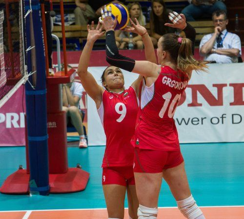 Състезателката на Марица (Пловдив) Виктория Григорова помогна на женския национален отбор на България по волейбол да постигне обрат в мача си срещу Канада в последния ден на втория си турнир от Световно Гран При 2016.