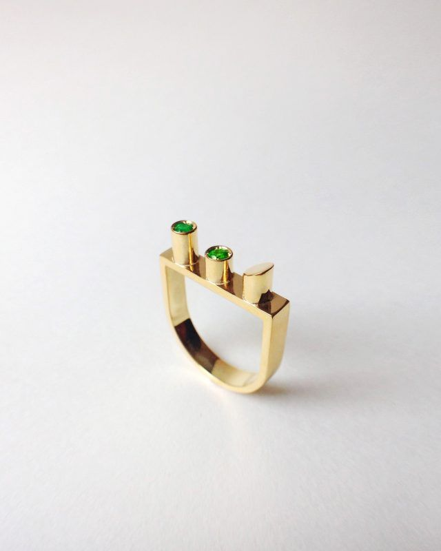 SIXTY DEGREES RING. Geometric Obsession Jewelry Collection #oro #gold #emeralds #anello #architecturaljewelry #finejewelry #ring #smeraldi #gioielli #jewels #jewel #jewelry SHOP www.danielacoppolino.com