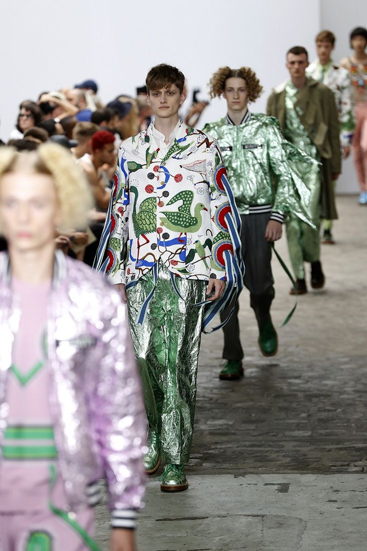 Brexit Inspires Paris Fashion Week Catwalks | LUXUO