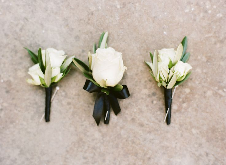 17 Best ideas about White Boutonniere on Pinterest | Groomsmen ...