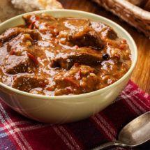 Découvrez la recette d'Estouffade de sanglier (provence), Plat à réaliser facilement à la maison pour 6 personnes avec tous les ingrédients nécessaires et les différentes étapes de préparation. Régalez-vous sur Recettes.net