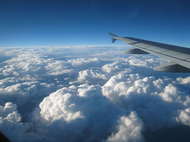 Grazie alla meditazione in aereo puoi praticare il movimento consapevole, l'attenzione alle sensazioni del proprio corpo, l'osservazione della mente