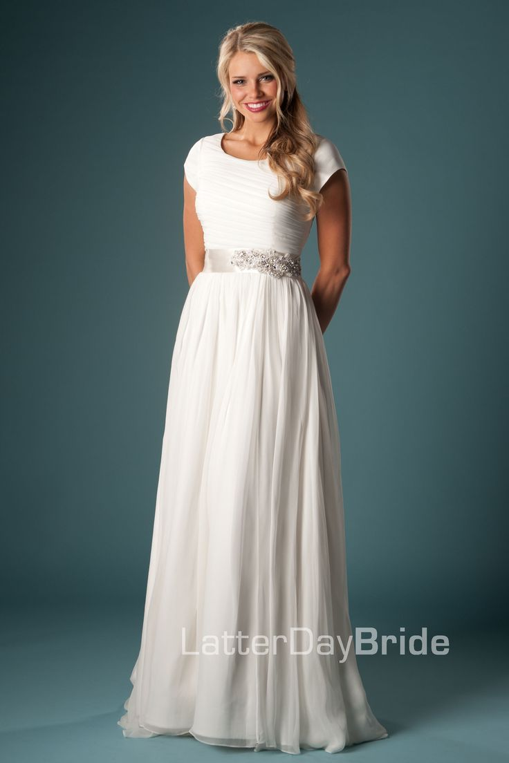 Modest wedding dress it 39 s simple as i 39 ve mentioned i a for Elegant modest wedding dresses