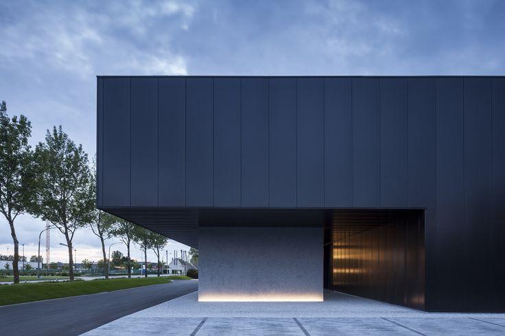 Image 4 of 22 from gallery of Versluys / Govaert & Vanhoutte Architects. Photograph by Tim Van De Velde