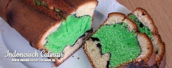 Kue Alunan Kasih - Cake in gekleurde, golvende lagen