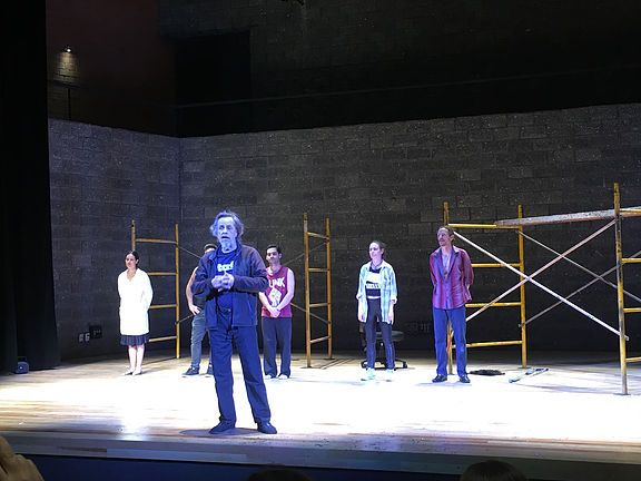 El 27 de marzo, día internacional del teatro, decidí festejar viendo la adaptación mexicana de Trainspotting, libro de Irvine Welsh que después sería adaptado