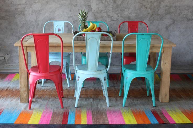 Si te encanta el color.. Tenemos que hablar!  Ven y conoce nuestro showroom para las alfombras más lindas!!
