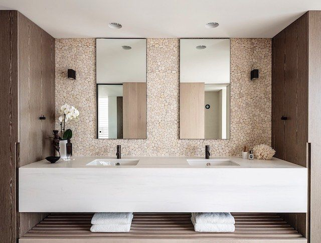 Bathroom inspiration : black tapware from @candana_ {more pix on the blog} ㄨ #Candana #Woollahra #Bathware #Tapware #Bathroom #BathroomTrends #Design #bellamumma #love