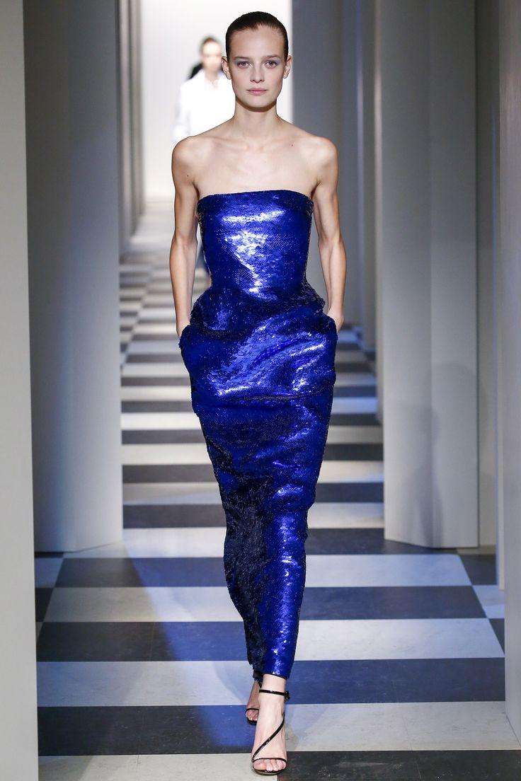 Oscar de la Renta Fall 2017 Ready-to-Wear Fashion Show NYFW New York Fashion Week