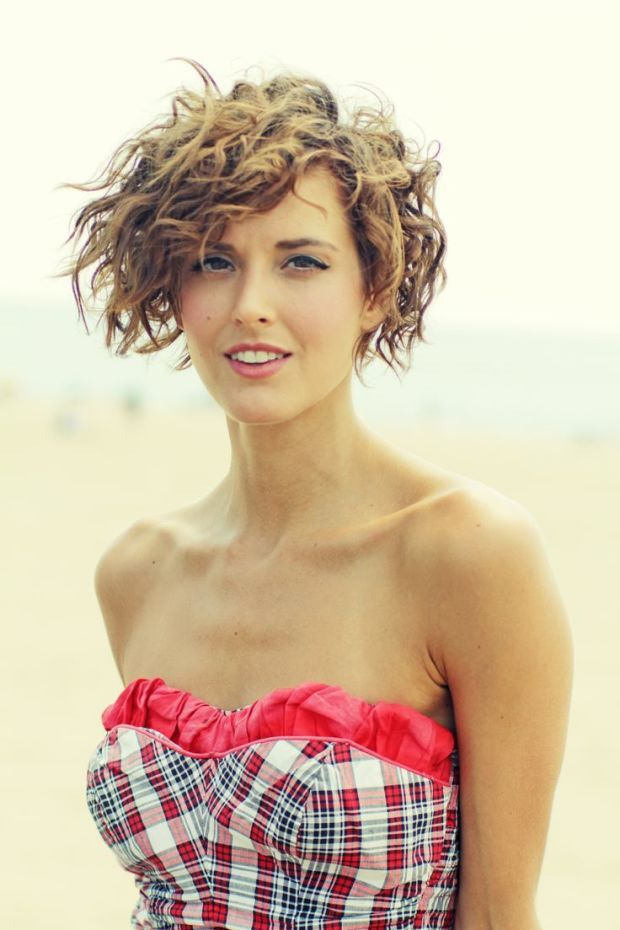 Permed light brown short hairstyle. http://beautyeditor.ca/2015/08/08/should-i-perm-my-short-hair