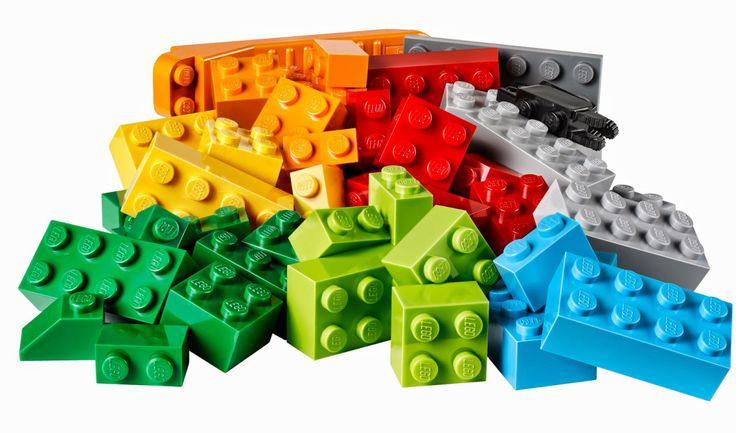 La terapia de LEGO en niños con autismo tiene numerosos beneficios. Desarrolla sus habilidades sociales, la atención, colaboración, aprenden a compartir, a tomar turnos, desarrolla su lenguaje verb…