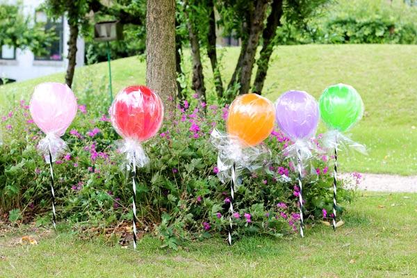 lollipop balloons via Hellobee