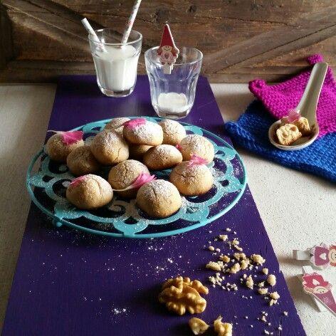 Tahini-wallnut cookies