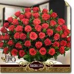 arreglo floral grande con 100 rosas rojas