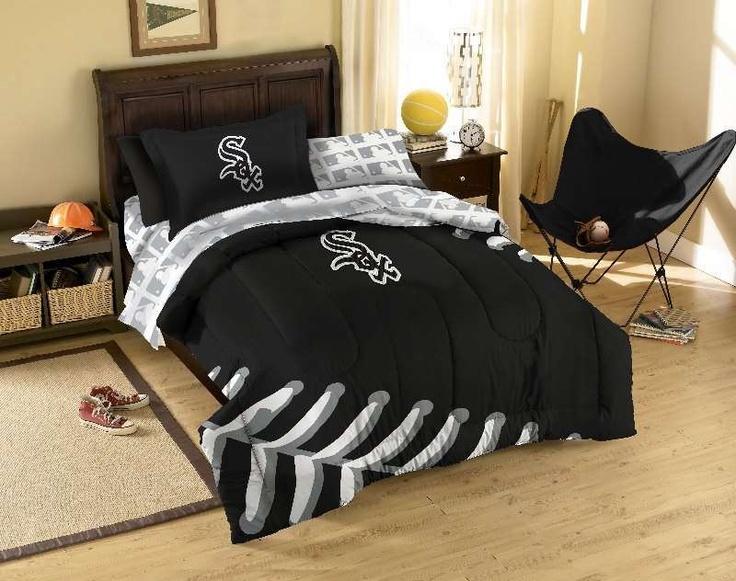 The Northwest Chicago White Sox MLB Bed in Bag $90.90 from bedding.com #chicago #whitesox #baseball #mlb