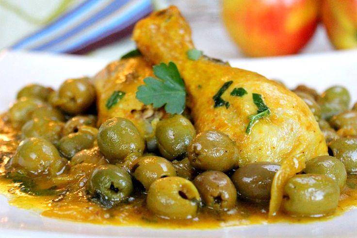Recette de tajine de poulet aux olives au Thermomix TM31 ou TM5. Réalisez ce plat principal en mode étape par étape comme sur votre appareil !