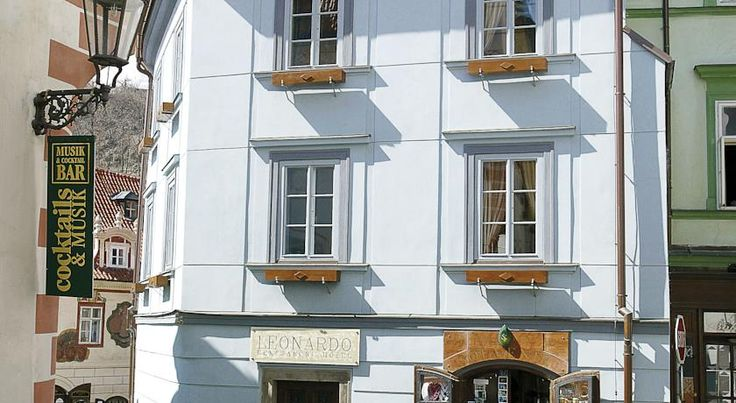 Hotel Leonardo Cesky Krumlov Located in the centre of pretty Cesky Krumlov, this hotel is close to the central square and ten minutes from the impressive Krumlov Castle.