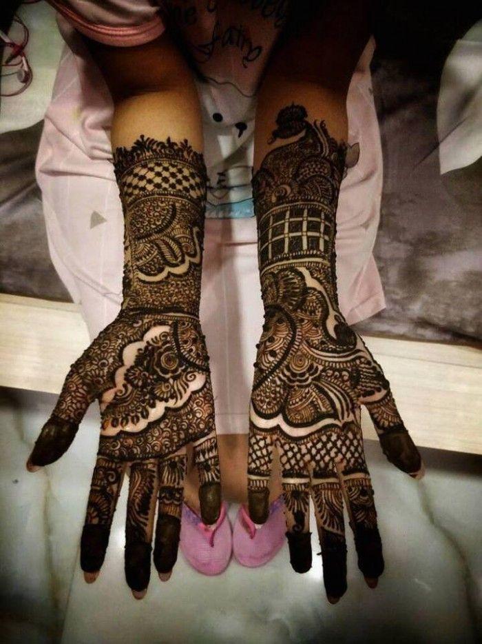 Suhag Mehandi Art Is A Mehendi Artists Based Out Of Indira Nagar Lucknow Suhag Mehandi Art Has Bri Beautiful Mehndi Design Bridal Mehndi Mehndi Design Photos