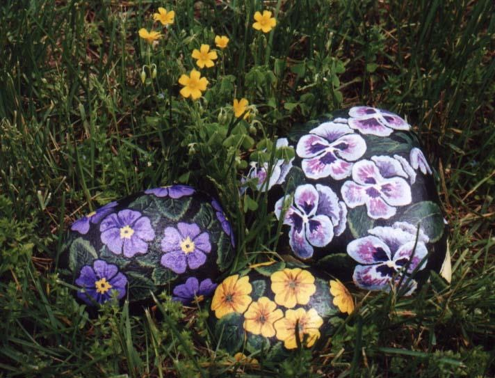 Piedras pintadas con flores: Bing Images, Rock Art, Painted Rocks, Decorative Painting, Paintings, Rock Painting, Garden, Flower