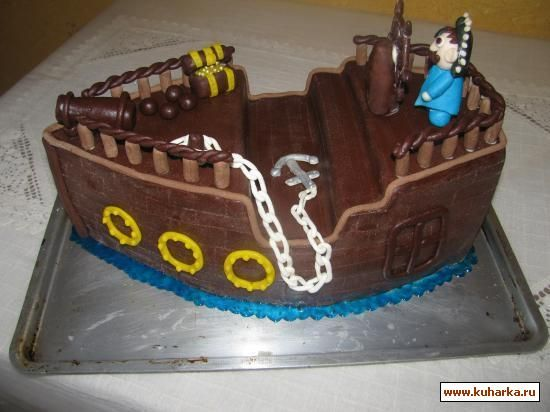 Торт в виде пиратского корабля