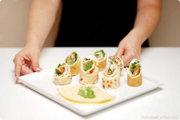 Crepês rellenos de queso rúcula y salmón