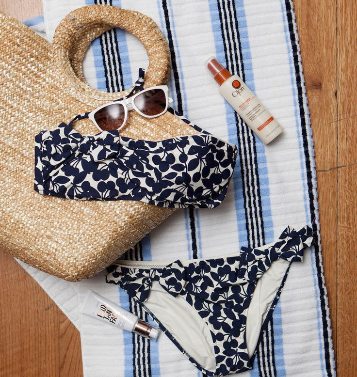#Maxxinista Lifestyle: Beach Bag Essentials Check out Maxx Style Scout and Refinery29 contributor Grace Atwood's must-packs for a day of sun and sand