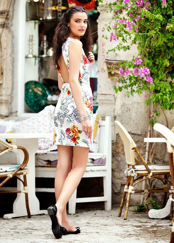 Merve Büyüksaraç Elbise Markafoni'de 87,00 TL yerine 34,99 TL! Satın almak için: http://www.markafoni.com/product/4463920/ #markafoni #gununkombini #luxury #stylish #style #fashion #moda #celebrity