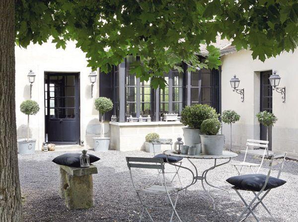 stiligahem.se - Mer än en vanlig inredningsblogg. Modern klassisk design, livet, antikviteter och trädgård.