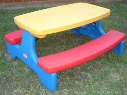 Sisters with Stuff: My secret way to make outdoor toys look like new again.