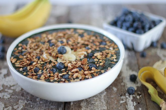 Blueberry Banana Crunch Smoothie Bowl